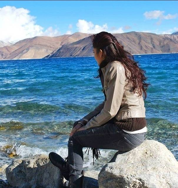 Gee,India,Jammu and Kashmir,Leh,Leh,undefined,A Bucket list you must follow,pangong-lake-gee-7ce1313913d8-0-of-16