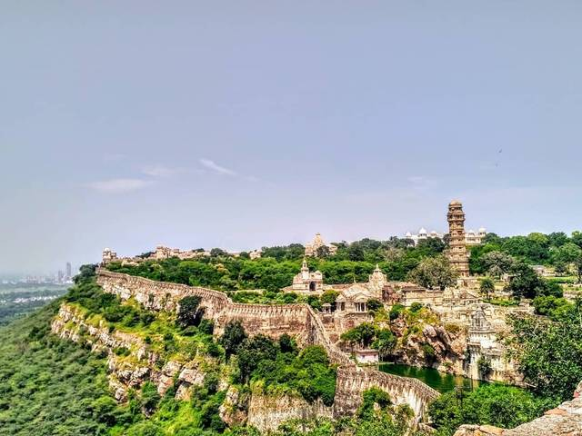 A walk through the largest fort of India - Chittorgarh Fort.