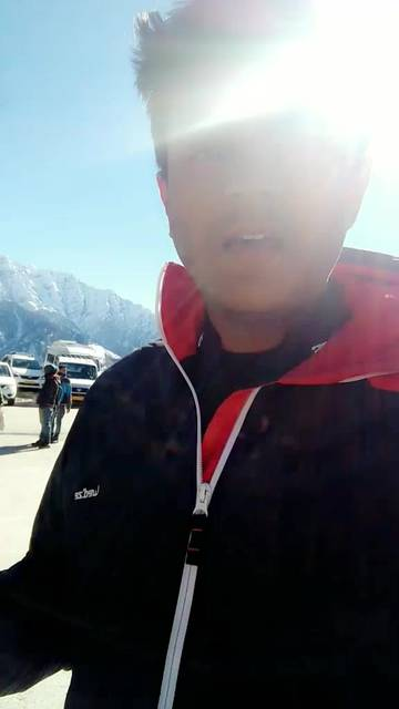 Who says Budget Travel cannot be fun? Here's a college student on a budget in Manali ❄️